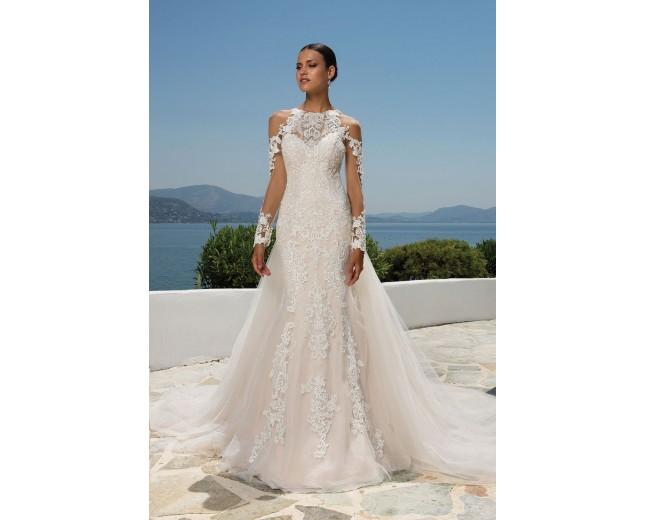 Rochie de mireasa Justin Alexander Beaded Lace Jewel Neck Gown