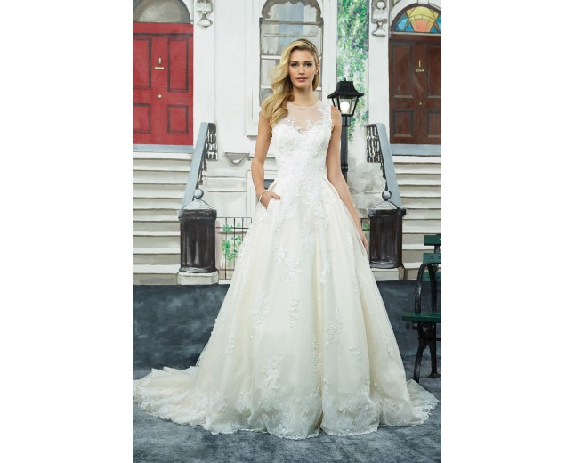 Rochie de mireasa Justin Alexander Tulle and Lace Ball Gown