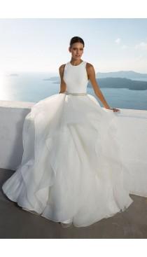 Rochie de mireasa Justin Alexander Jewel Neck Layered Ball Gown